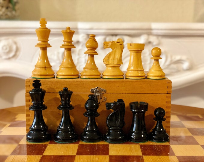 Staunton Chess 8 Large Pieces