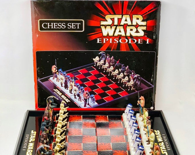 Featured listing image: Star Wars Chess Set