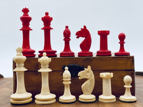History Chess. KP Uhlig German Bone with board