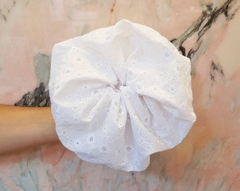 Broderie Anglaise Scrunchie