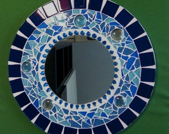 Naciente round mirror with mosaic for garden or home