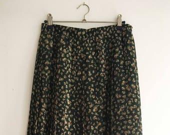 Dark green Vintage Midi pleated skirt with paddestoelenprint size 42