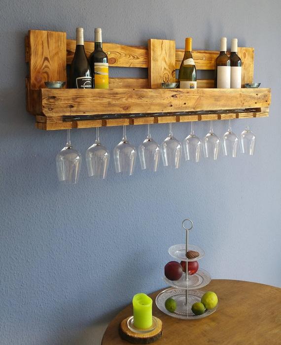 weinregal rustikal aus paletten flaschenregal vintage m bel etsy. Black Bedroom Furniture Sets. Home Design Ideas