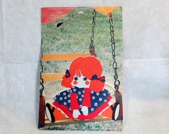 """Vintage Gibson Honeycomb Centerpiece """"Tina"""" 