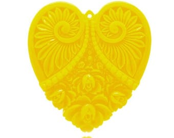 x 1 yellow heart resin cameo carved.