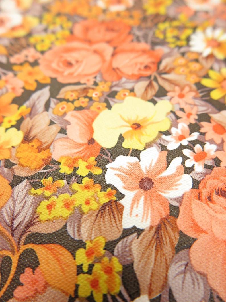 Vintage Wallpaper Mary Orange per meter