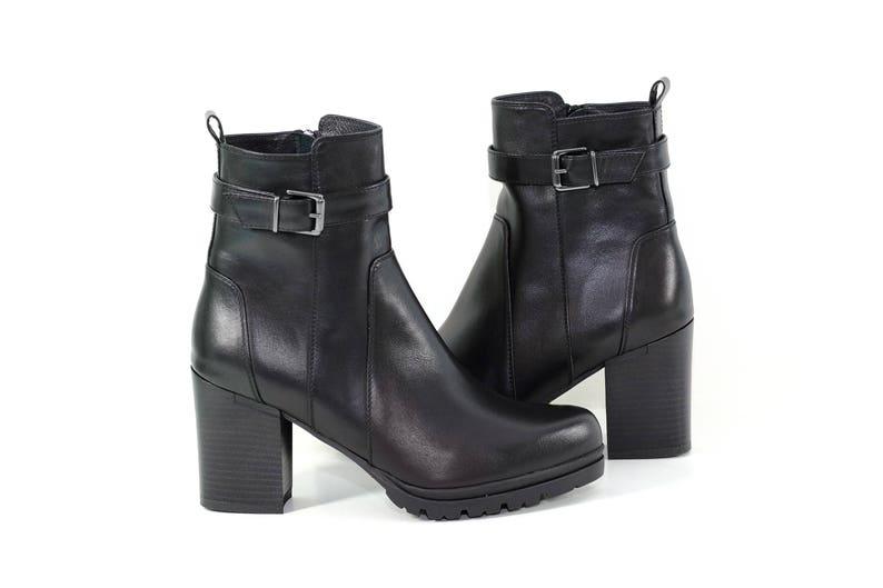 f0605ff6e4ca4 Wygodne damskie buty w czarnej skórze botki czarne buty | Etsy