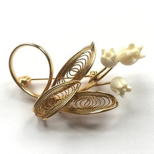 1950s Karen Lynne 12K Gold Filled Jade and Faux IvoryCelluloid Rose Brooch and Clip On Earrings