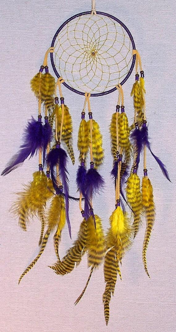 Capteur de rêves amérindien authentique 5 pouces violet et jaune