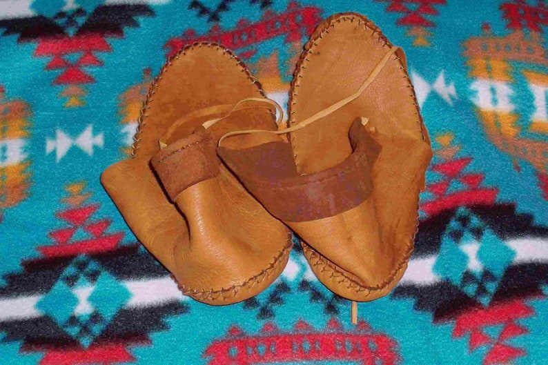 Native American Authentic Brown Deerskin Leather Moccasins Size 9 Unisex