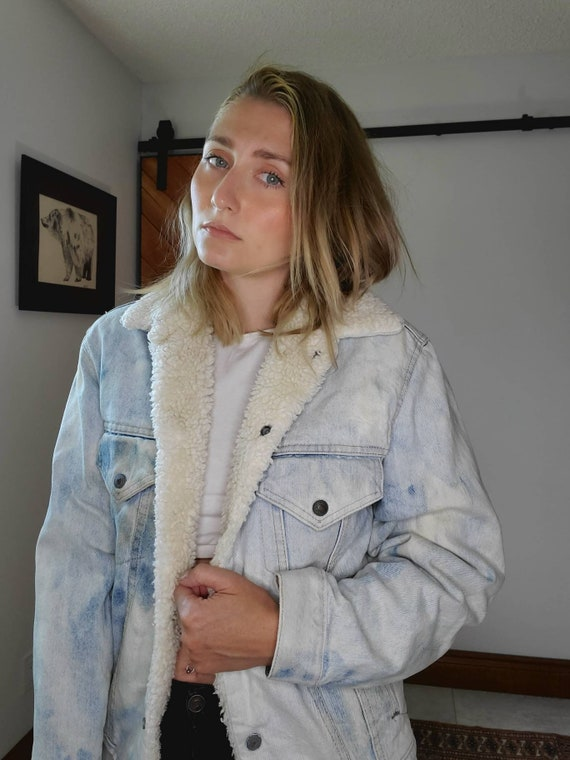 Vintage levis sherpa lined denim jacket