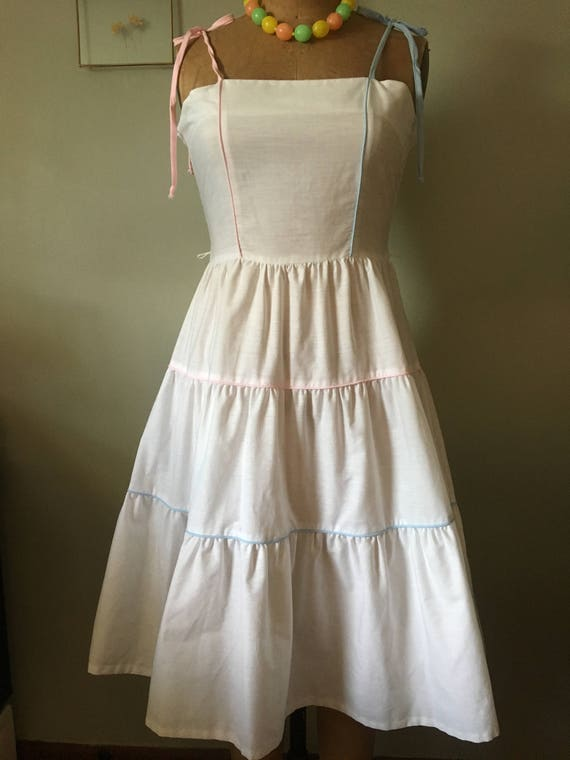 vintage late 70s early 80s Wildcrest white sundres