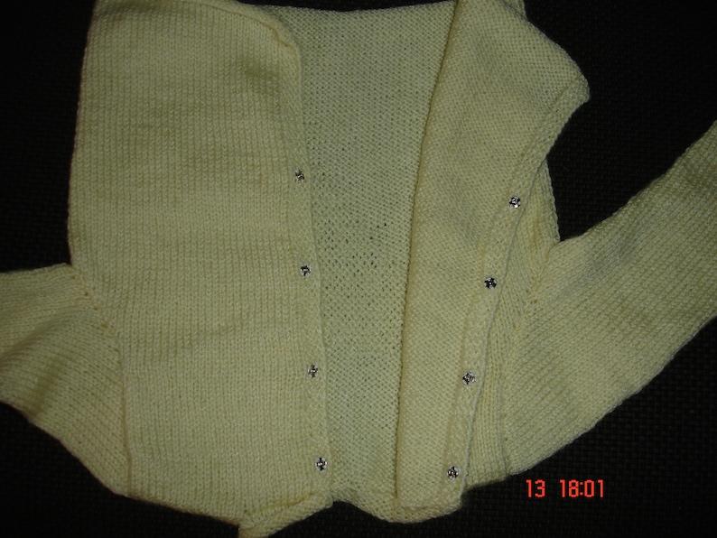 booties bonnetpale yellow. setjacket
