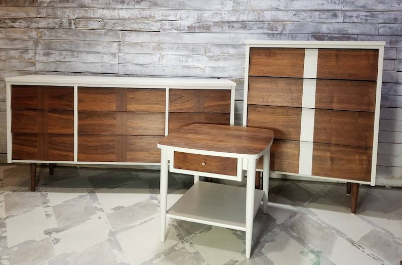SOLD - Vintage MCM Mid-century Modern Bedroom Suite