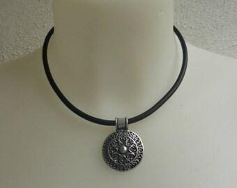Silver Celtic pendant necklace