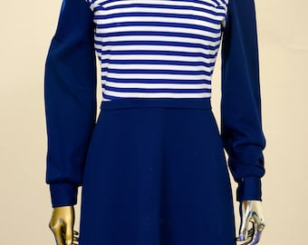 1970s Blue Polyester V-neck Dress with Detachable Collar