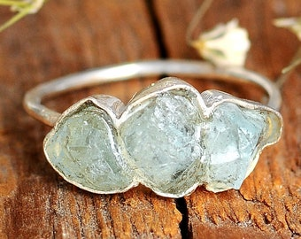 Three Stone Raw Aquamarine Ring, Sterling Silver Rings for women, Natural Uncut Gemstone Crystal Raw Stone Ring