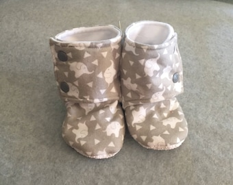 Gender Neutral Elephants Stay-On baby booties