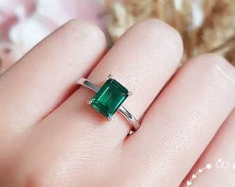 Emerald cut emerald ring, vivid green, 2 ct lab stone, engagement ring, white gold plated sterling silver, green gemstone ring, square cut