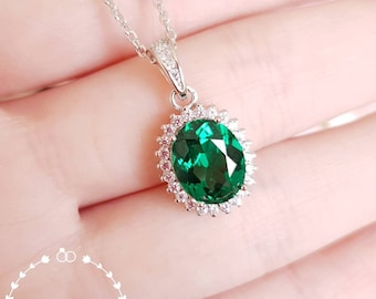 Halo emerald pendent with chain, lab vivid green emerald, solitaire necklace,white gold plated sterling silver, oval cut, birthstone pendant