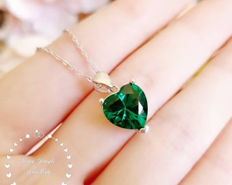 Heart shaped Emerald necklace, Heart cut 10*10 mm Emerald pendant, Muzo Green Emerald Necklace, Green Heart Pendant, May Birthstone Gift