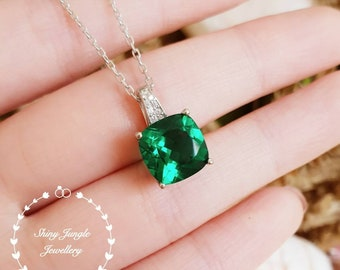 Cushion Emerald pendant, 3ct Muzo green lab emerald necklace with chain, solitaire necklace, May birthstone pendant, green stone pendant