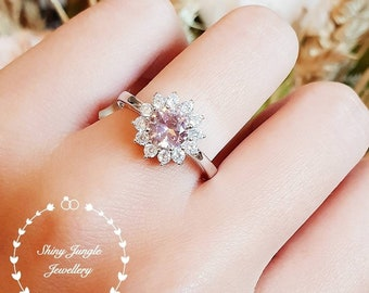 Round Morganite Halo engagement ring, padparadscha sapphire colour, solitaire ring, vintage design, Princess Eugenie, pink stone ring