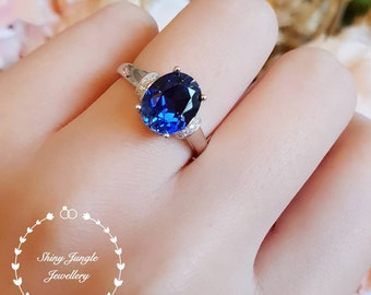 Genuine Lab Grown Royal Blue Sapphire Engagement ring, 3 Carats 8*10 Oval Sapphire Solitaire Ring with Accents, September Birthstone Gift