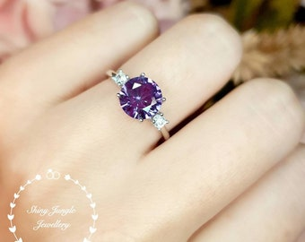 Alexandrite Ring, 2 carats 8 mm Round Cut Alexandrite Three Stone Engagement Ring, June Birthstone Promise Ring, Colour Changing Gemstone