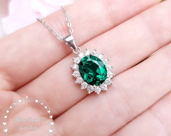 Royal Halo Oval Emerald Necklace, 3 Carats 8*10mm Oval cut Muzo Green Halo Emerald Solitaire Pendant with Chain, May Birthstone Gift