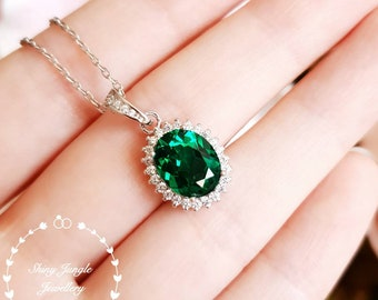 Halo Oval Emerald Necklace, 3 Carats 8*10mm Muzo Green Halo Emerald Solitaire Pendant with Chain, Royal Halo Design, May Birthstone Gift