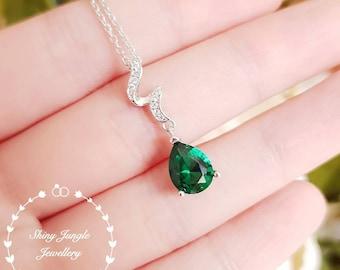 Pear shaped emerald necklace, May birthstone pendant, pear cut lab emerald pendant, teardrop emerald pendant, bridal pendant, vivid green