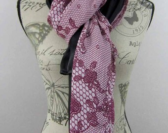 Large long scarf 200 x 90 black and plum Arielle