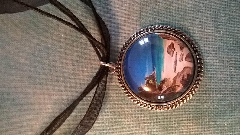 Cabochon necklaces