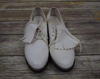 Vintage 1950s era womens golf shoes/ white golf shoes/ womens size 9 AAA /The Pro-Shu Co. brand/ FREE SHIPPING