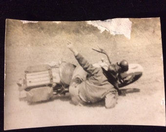 Unusual and dramatic 1940s motorcycle accident picture