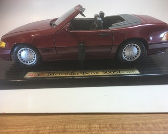 1989 Mercedes Benz 500SL Die Cast Model Car, 1/18, by Maisto, New in Box