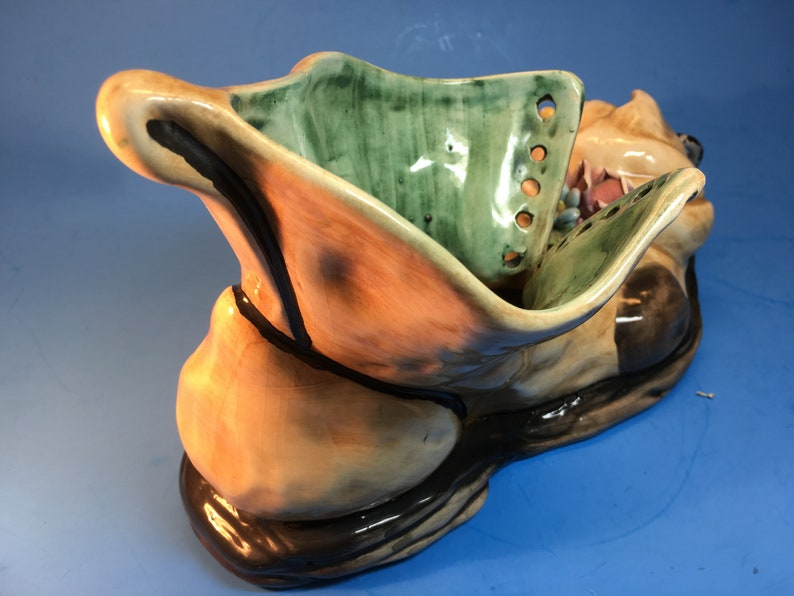 6 Tall 9.5 Wide Mint Vintage Capodimonte Fine Porcelain Boot with Mouse