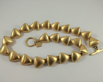 """Vintage Anne Klein Matte Gold Tone Necklace, choker triangle links, great condition, Logo tag toggle clasp, mid-century modern style, 17"""""""