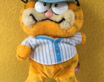 vintage 1981 baseball Garfield stuffed animal plushie
