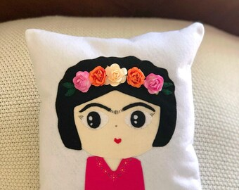 Embellished frida kahlo pillow,frida kahlo decor,frida kahlo decoration,frida kahlo,frida kahlo art,mexican pillow,mexican decoration,frida