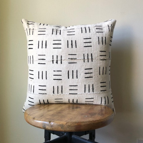 Dashed Line African Mudcloth Black /& White Pillow Cover