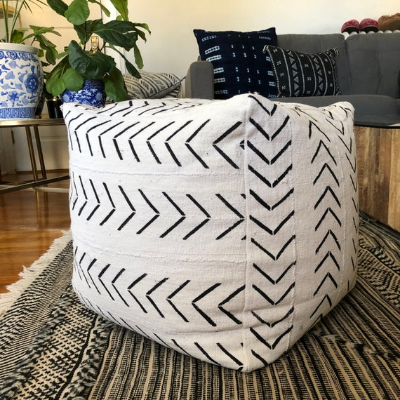 Awesome Black And White Arrow Print Mudcloth Square Pouf Bean Bag Chair Ottoman Bralicious Painted Fabric Chair Ideas Braliciousco