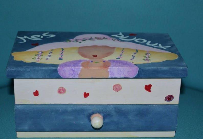 Dipingere Portagioie Di Legno : Portagioie in legno dipinto a mano per bambinames etsy