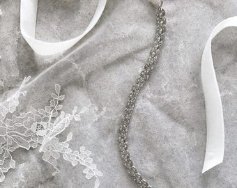 Wedding belt silver Crystal belt Bridal belt Thin wedding belt Boho jeweled bridal belt Skinny sash Velvet wedding chain sash Bridal Metal
