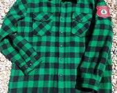 LL Bean 100% Wool Shirt Jacket, Green, Black Buffalo Plaid. USA. Maine guide patch. Men's Large. Button down, Retro, logger, woodsman