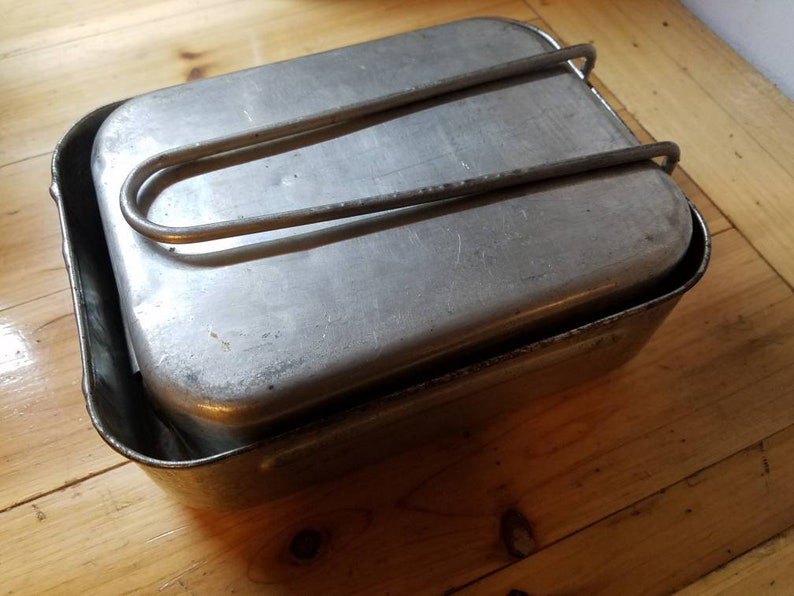 Vintage WWII BRITISH Military issue Mess kit  Aluminum  Mid image 0