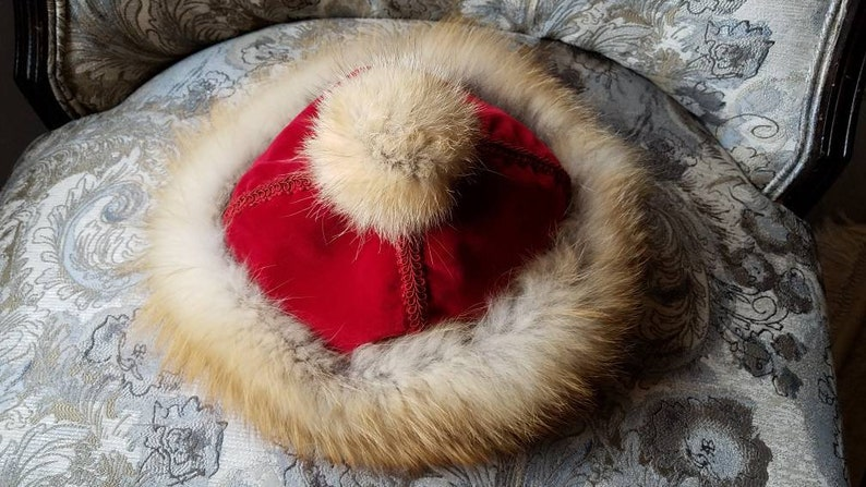 FOX FUR HAT. Real Fur Hat. Genuine Red Fox. Red velvet. Fur image 0