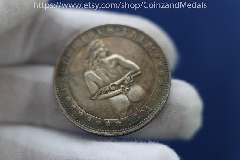 Sexy Girl Nude Hobo Nickel Coin 1881-CC or 1921 D Morgan Dollar Medal  Souvenir Collection USA