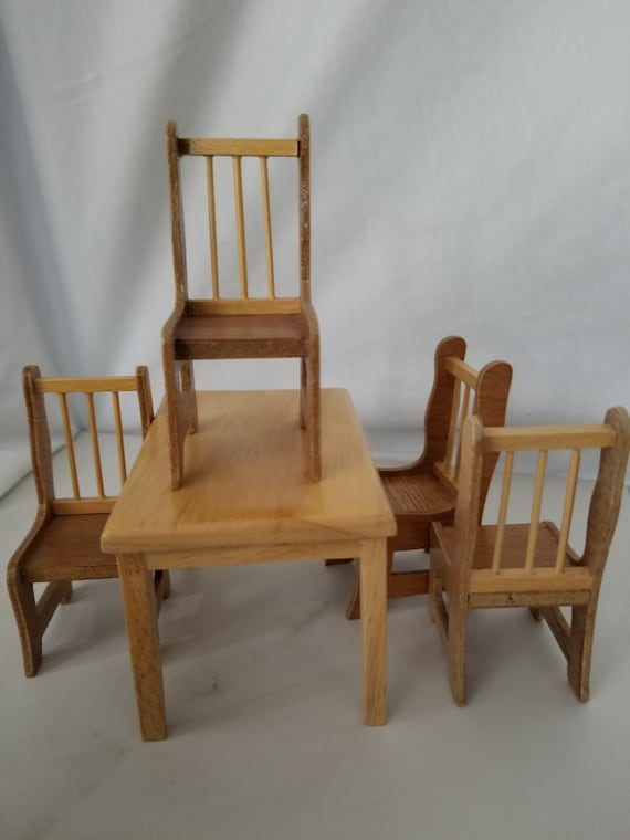 Vintage Concord Used Kitchen Table and 4 Chairs